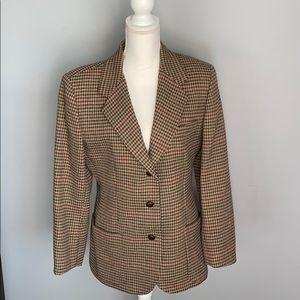 Beautiful quality all wool womens sports jacket.